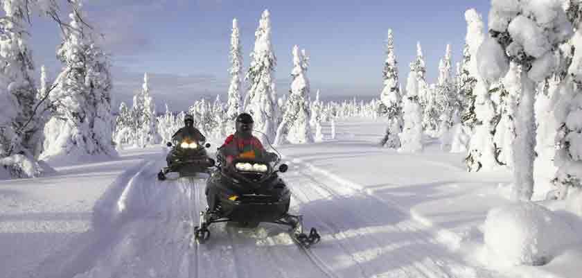 finland_lapland_snowmobiling.jpeg